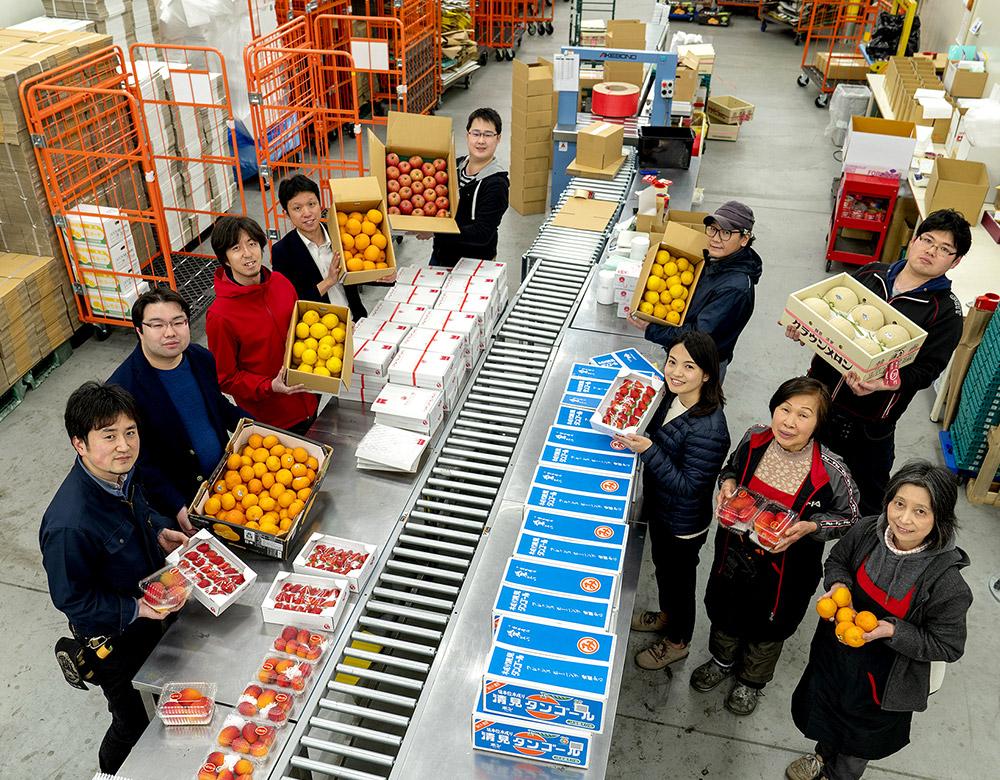 豊洲市場 出荷チームのメンバー