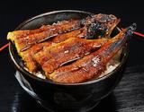 琵琶湖魚三『国産《養殖》鰻の蒲焼き(地焼き仕上げ)』200g前後(たれ、粉山椒つき)※冷蔵